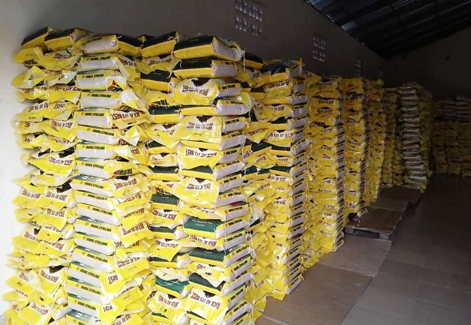 Friends and Associates of Rotimi Amaechi Amaechi Donates 12,000 Bags Of Rice For 23 LGAs
