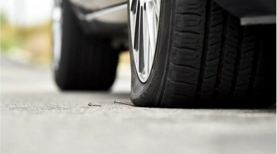 How to Locate a Tyre Puncture and How to Fix the Problem